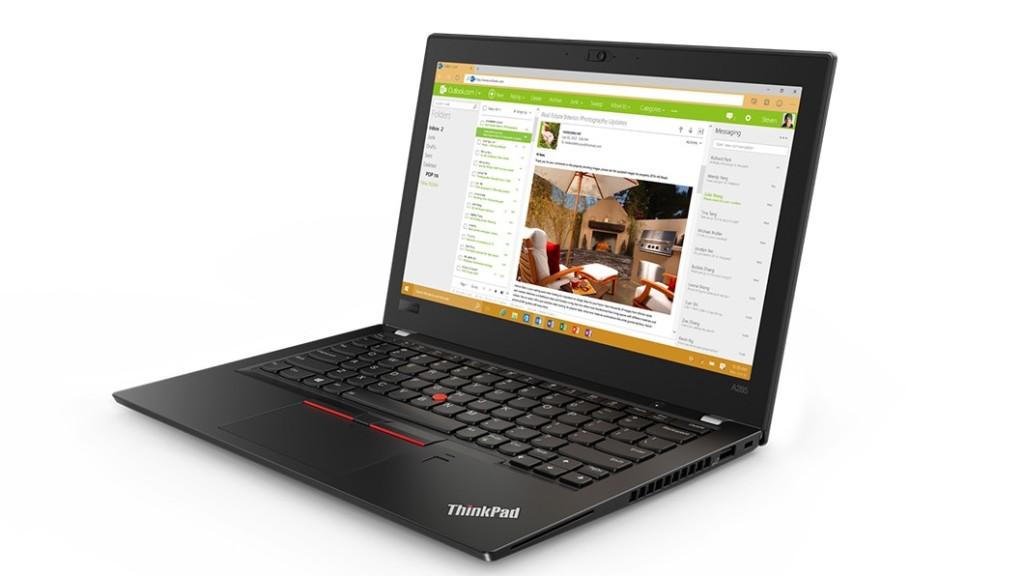 Kupno laptopa dla wielu osób związany jest przede wszystkim z doborem odpowiedniego wyglądu, który będzie dopasowany wedle indywidualnych upodobań